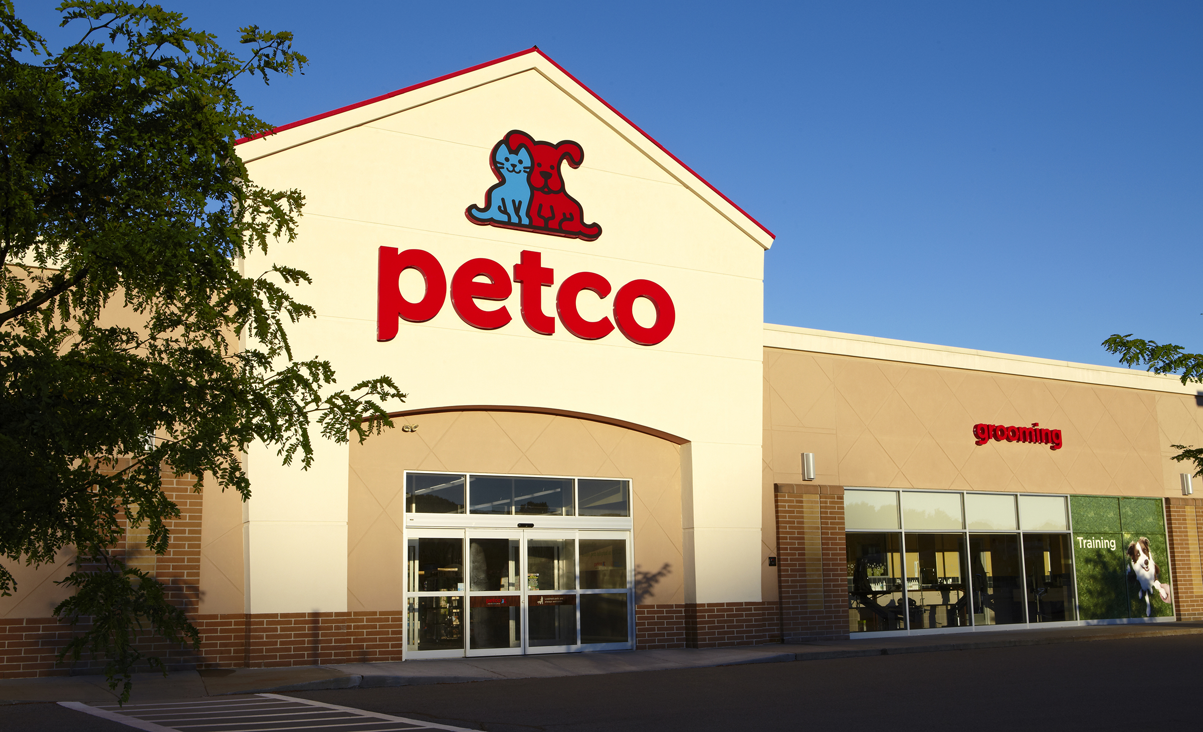 Petco moves away from artificial ingredients at its stores